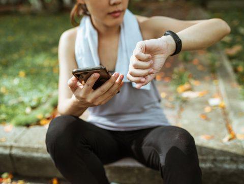 Un bracelet intelligent pour analyser nos interactions