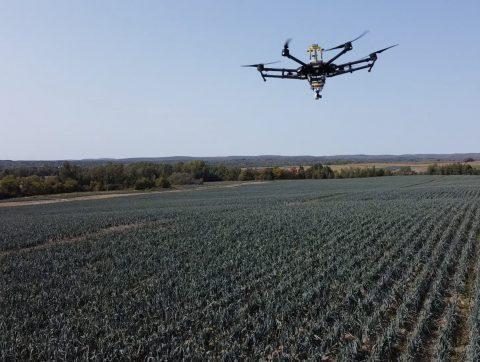 [VIDÉO] – Des drones arrivent dans les champs québécois