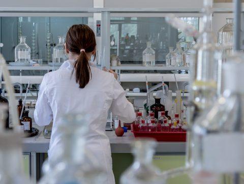 Mila va collaborer avec AstraZeneca pour l'IA en biopharmaceutiques