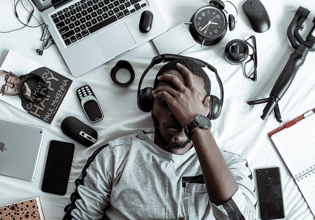Travail, numérique. Crédit photo: Pexels/Ola Dapo