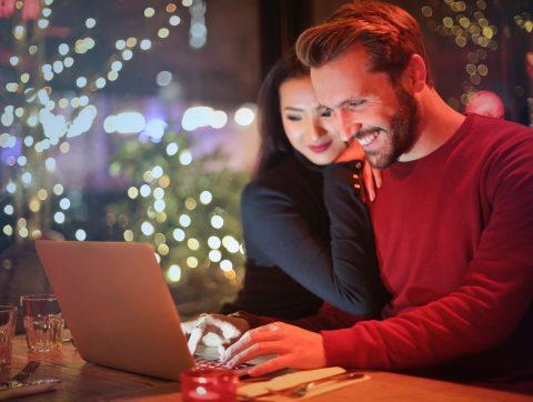 Trouver un emploi c'est bien, mais trouver l'amour c'est mieux!