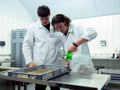 PME en agritech recherchent scientifiques pour R&D