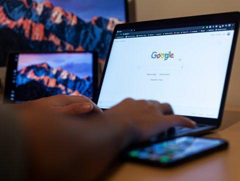 Éthique de l'IA : la censure de Google dénoncée
