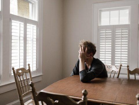Santé mentale: un lien neurologique avec la solitude découvert par les machines